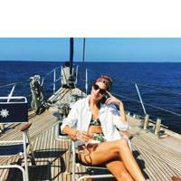 Alexa Chung hits the Maldives, and the rosé
