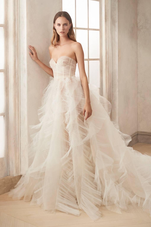 No one does it better: Oscar de la Renta's latest bridal collection