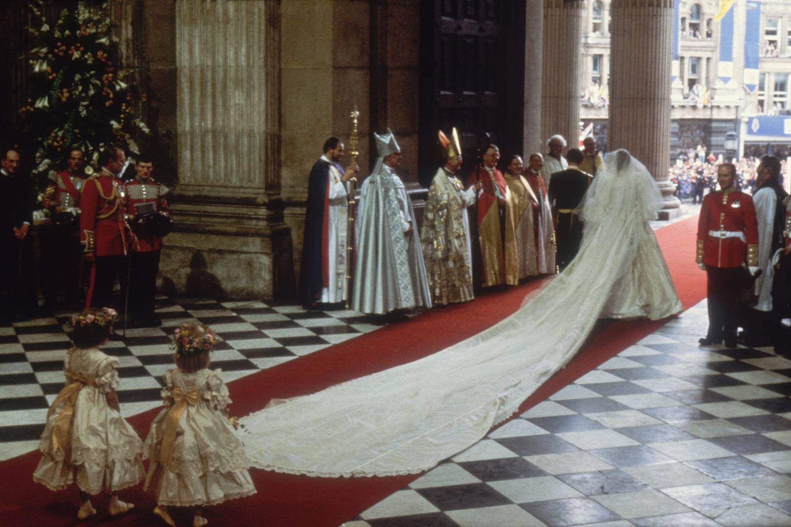 The Real Story Details Of Princess Diana S Wedding Dress Tatler