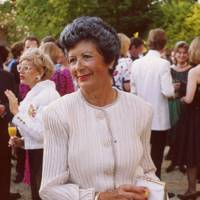 Mrs Arnold Weisenfeld