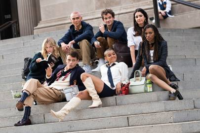 El nuevo elencto de Gossip Girl, en las icónicas escaleras de MET.