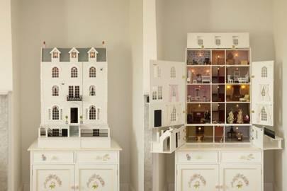 The Luxury Georgia Dolls House from Dragons of Walton Street