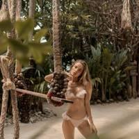 Botanical Beach Babes