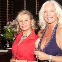 Janet Evans and Juliet De Stefano