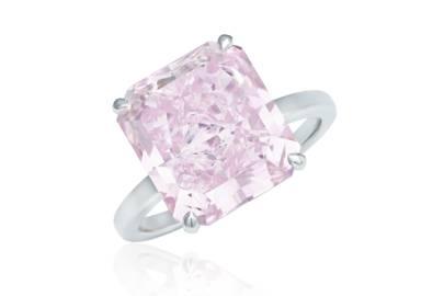 Fancy intense purplish pink diamond ring