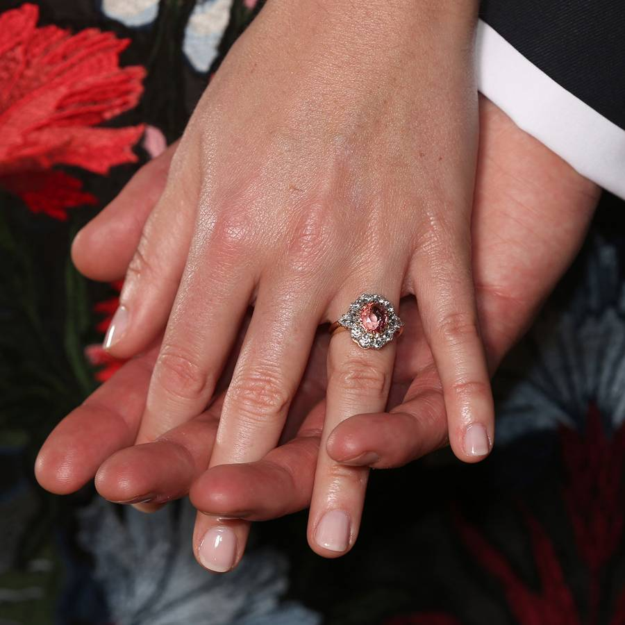monday pin harry that lisa royals engagement hearts by prince of royalty pinterest meghan officially engaged announcing queen diana the clarence conner are rings on house markle princess and