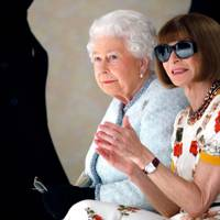 The Queen and Anna Wintour at the Richard Quinn show, A/W18