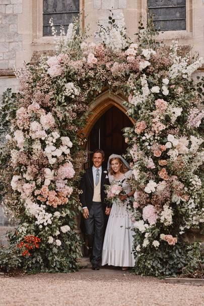 Royal Family Releases Pictures Of Princess Beatrice And Edoardo Mapelli Mozzi S Secret Royal Wedding Tatler