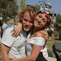 Alfie Allen and Jaime Winstone