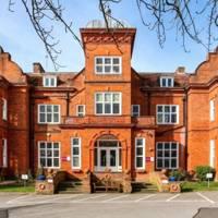 Queensmead School