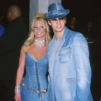 Britney Spears and Justin Timberlake at the AMAs, 2001