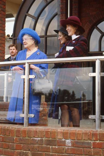 Queen Elizabeth the Queen Mother, Lady Angela Oswald and Lady Vestey