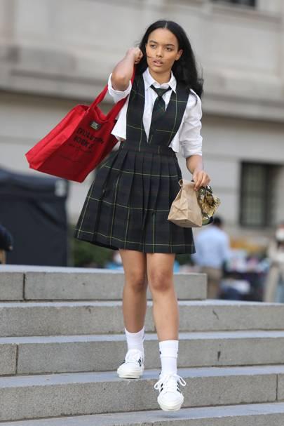 Whitney Peak aparece en el nuevo set de Gossip Girl.