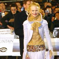 Wearing Chanel at the 'Cold Mountain' London premiere, 2003