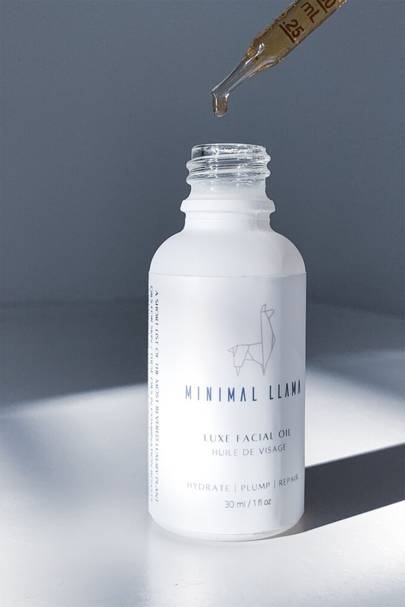 Minimal Llama Sustainable Beauty