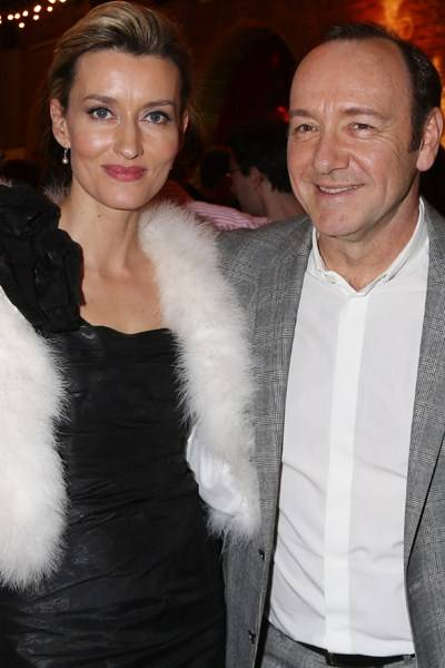 Natascha McElhone and Kevin Spacey