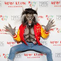 Heidi Klum as Thriller, 2017