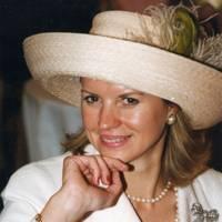 Edwina Adams