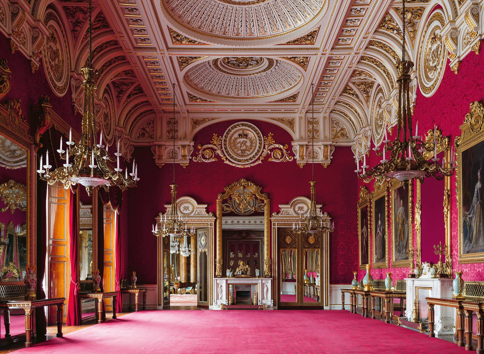 A look inside: Buckingham Palace and its extraordinary ...