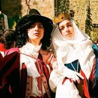 Stella Schmadl and Victoria Bucci