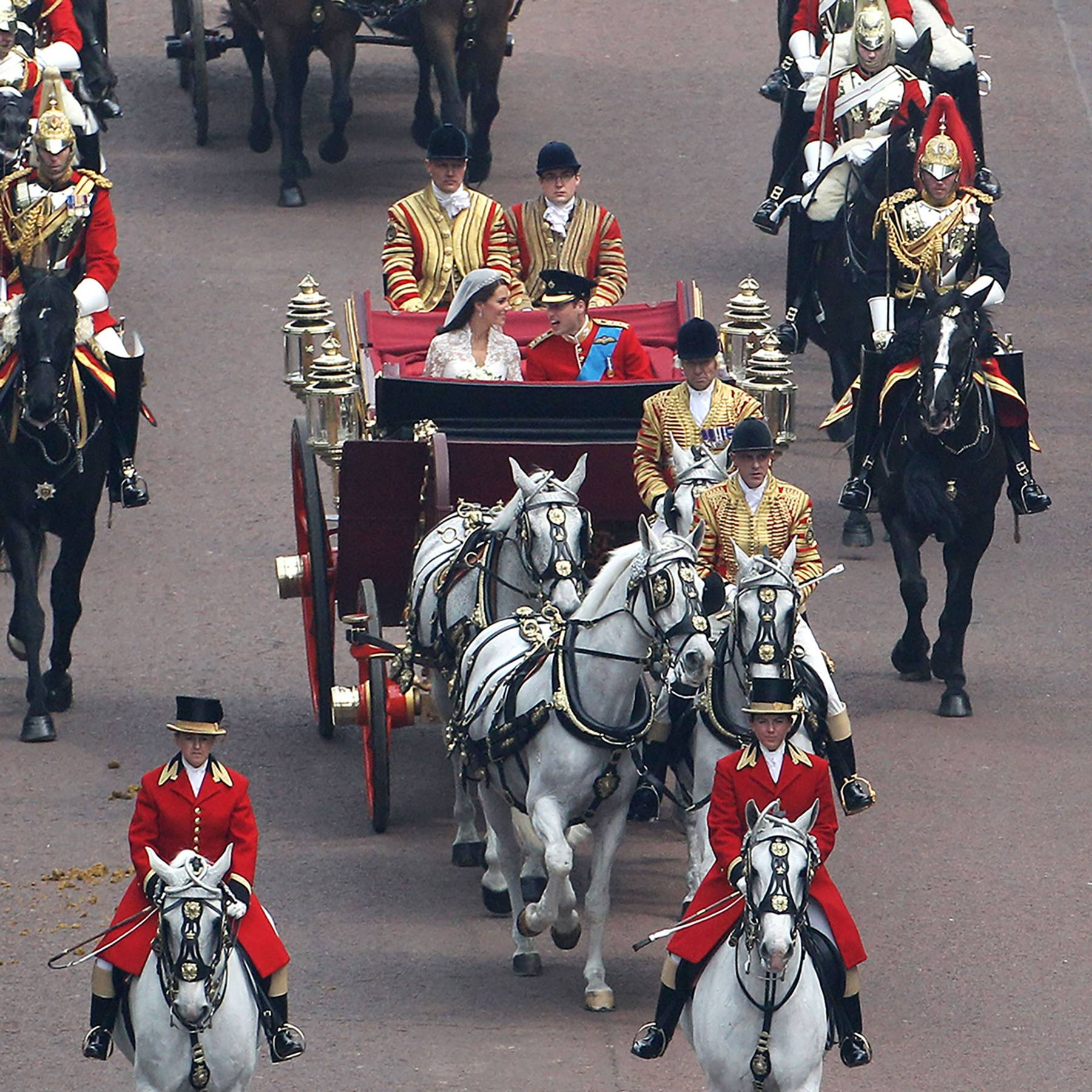 The Duke and Duchess of Cambridge's wedding horses have retired together