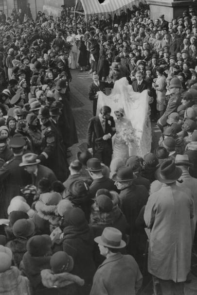 Wedding to American golfer Charles Sweeny in 1933