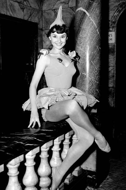 Audrey as a showgirl in Cecil Landeau's Sauce Picante at Cambridge Theatre in 1950