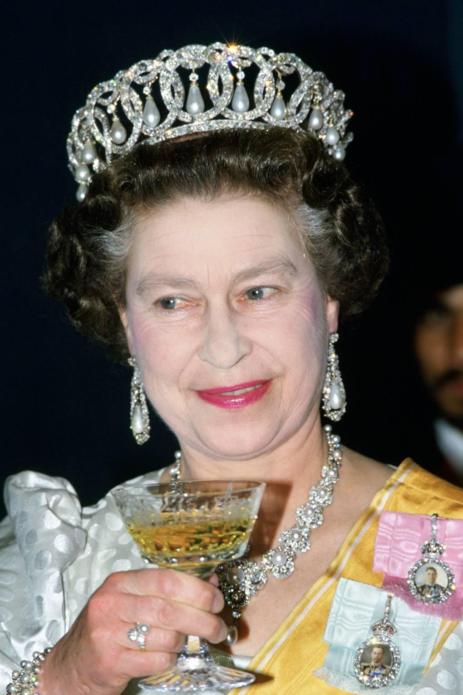 Royal engagement rings: Princess Diana & the Duchess of Cambridge\'s ...