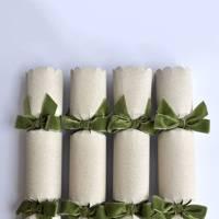 Alice Naylor-Leyland Scallop Velvet Ribbon Christmas crackers