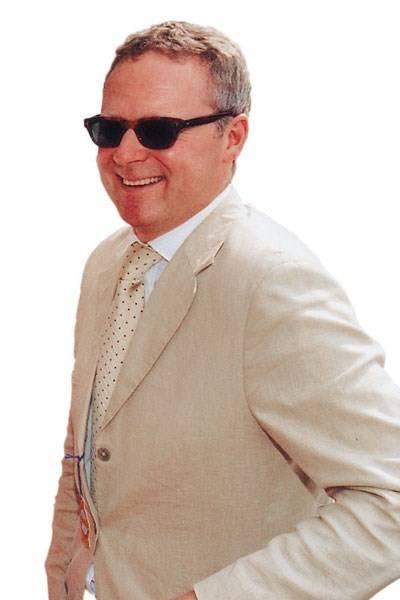 Mr Rory Bremner