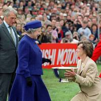 The Duke of Beaufort with the Queen, 1999