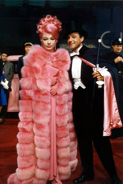 Shirley MacLaine as Louisa May Foster in What A Way To Go
