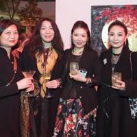 Yin Tong, Ziqun Han, Livia Li and Monica Li