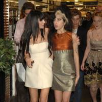 2007: With Amy Winehouse at a dinner hosted by Mary Kate and Ashley Olsen at Harvey Nichols