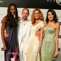 Naomi Campbell, Alexander McQueen, Kate Moss and Annabelle Neilson, 2004