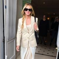 Julia Roberts out in London.