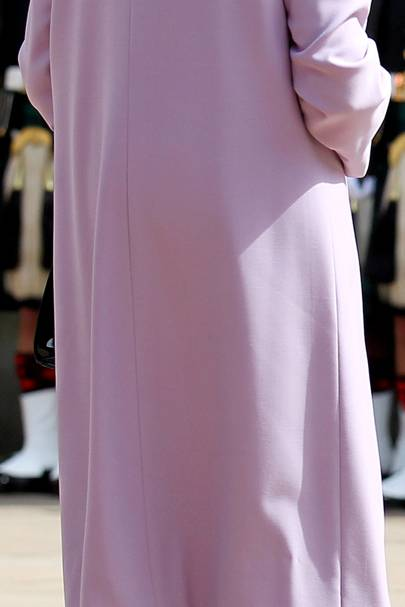 Always magnificent in pastels, bow for this bottom, please. Show it the respect it commands.
