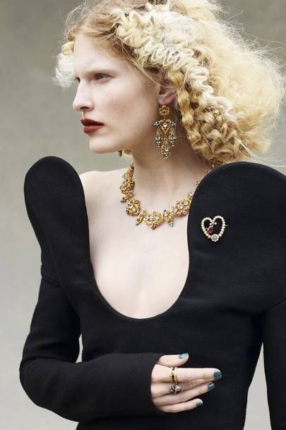 Everything you need to know before buying vintage jewellery