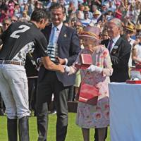 Tommy Beresford, Laurent Feniou, The Queen and Jock Green-Armytage