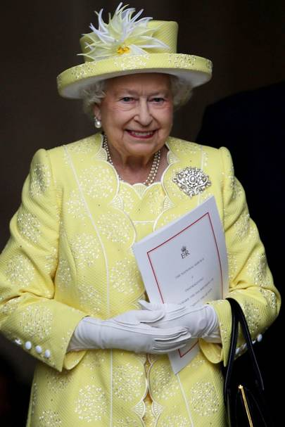 The Queen Elizabeth II - longest serving monarch - facts about the ... f8077410b721