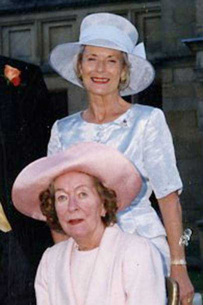 Mrs Ian de Wesselow and Jennifer Middleton