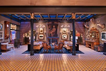 Hotel Jermome's lobby