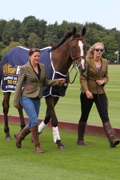 Debbie Carpenter and Felicity Hook with Kauto Star