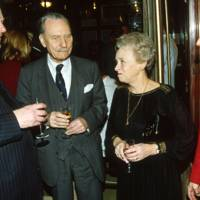 Auberon Waugh, Enoch Powell, Mrs Enoch Powell and Mrs Nicholas Lee