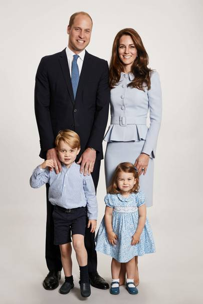 The Cambridge family christmas card portrait, 2017