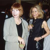 Shirley MacLaine and Mrs Kenneth Tynan