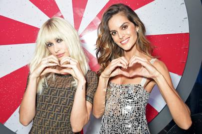 Hailey Baldwin and Izabel Goulart