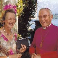 Mrs Timothy Guinness and the Bishop of Salisbury