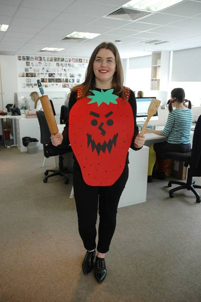 Caroline Leaper as Scary Berry