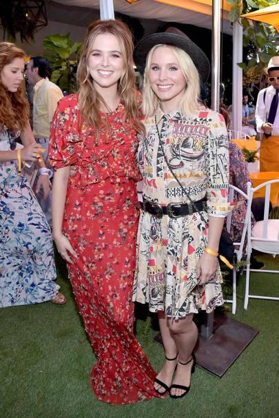 Zoey Deutch and Kristen Bell